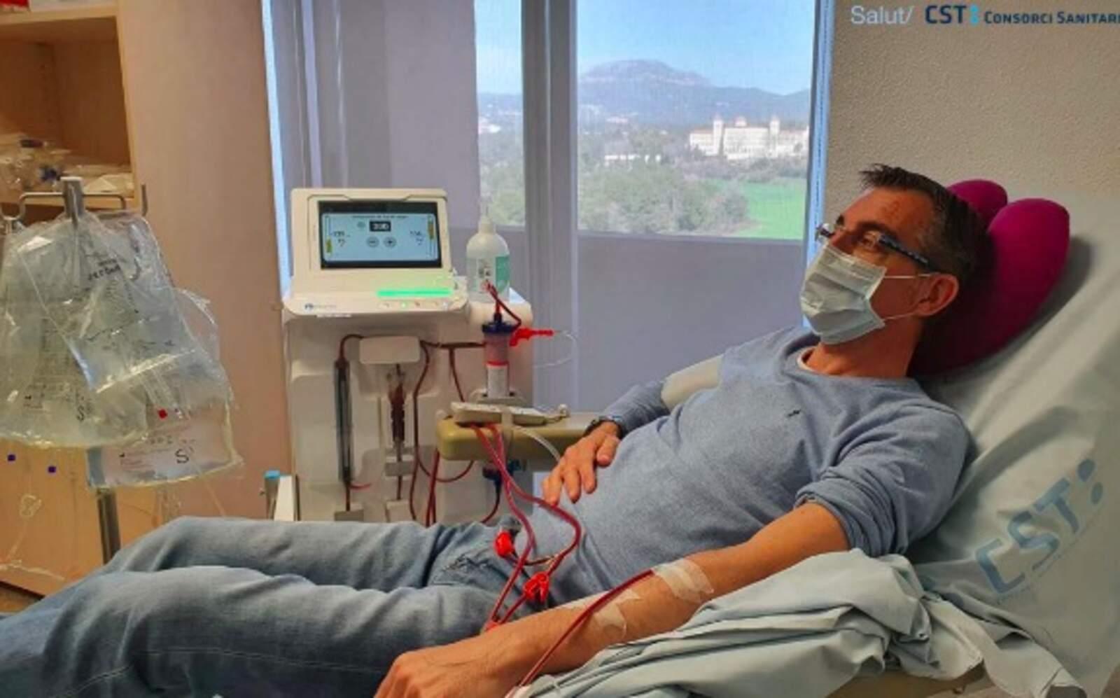 Un pacient fent dialisi