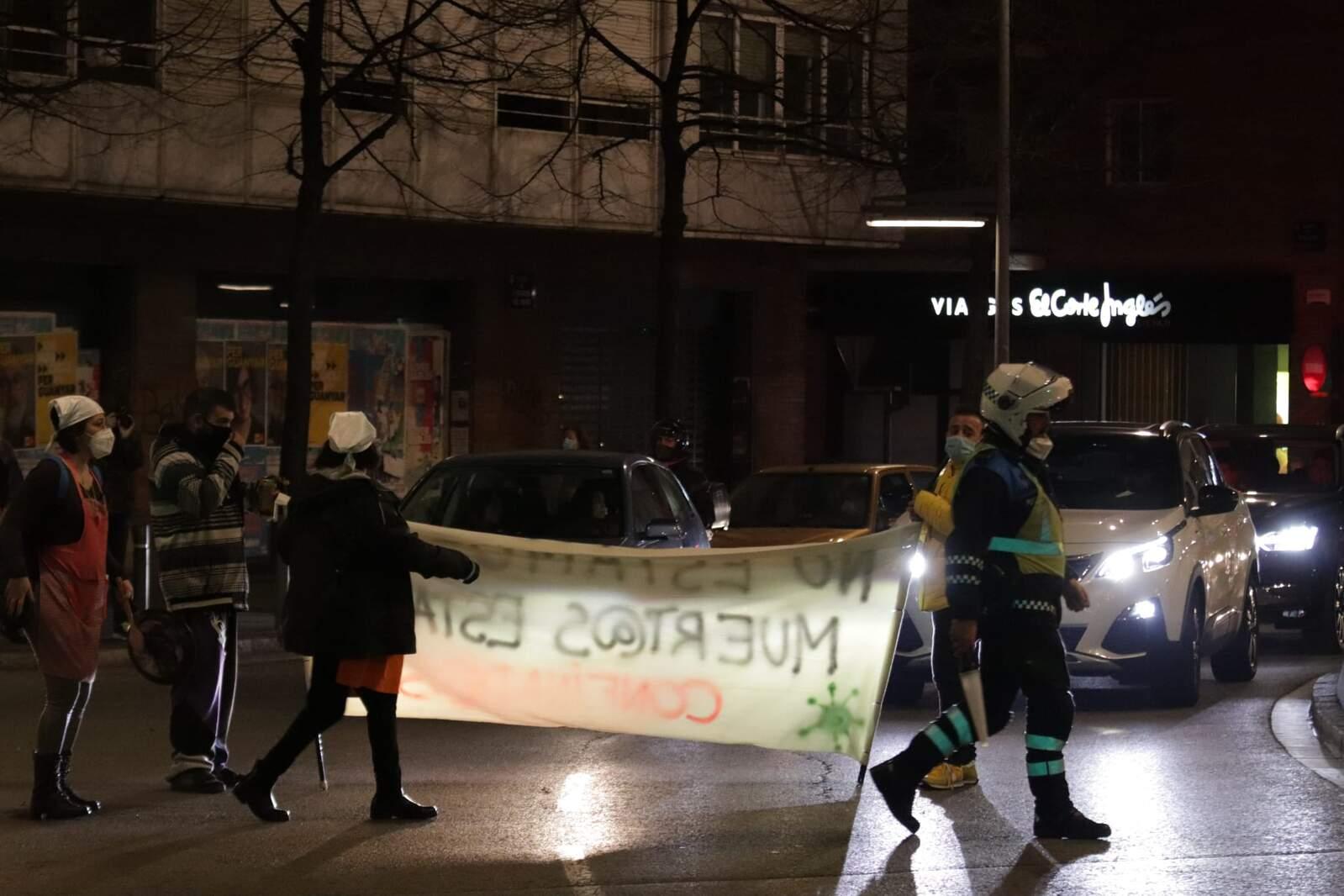 Concentració a Terrassa contra les mesures anticovid adoptades pels governs