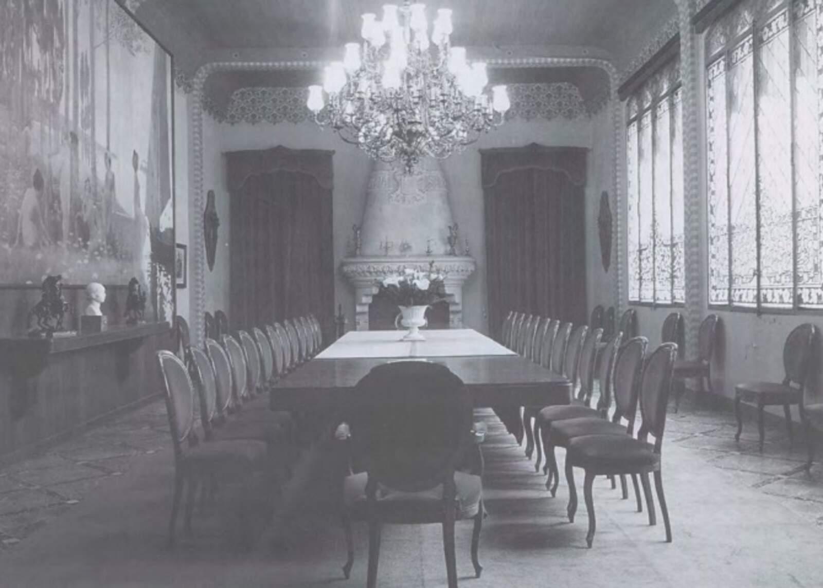 taula on es va fer l'últim consell de ministres de la República espanyol