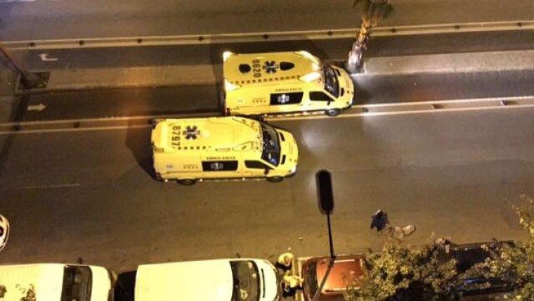 Ambulàncies del SEM a l'avinguda Abat Marcet    Maria Pilar Sala