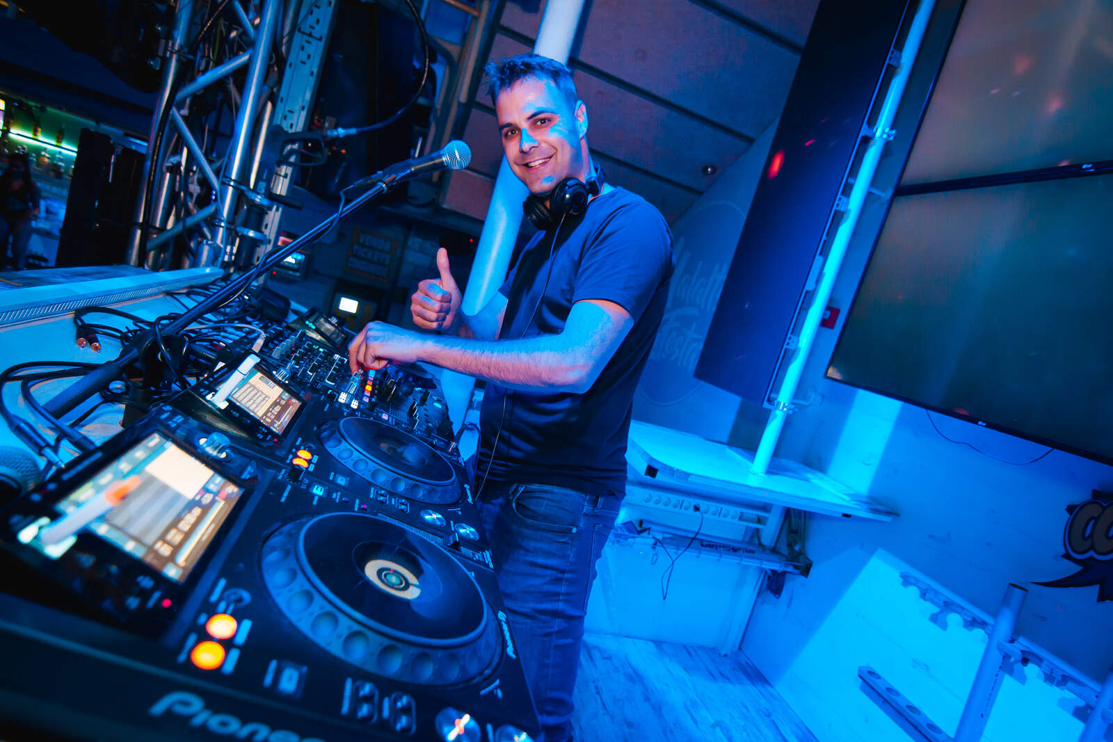 El DJ Uri Farré