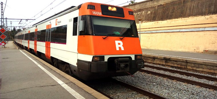 Tant renfe com Ferrocarrils ampliaran els seus serveis.  | Cerdanyola.info
