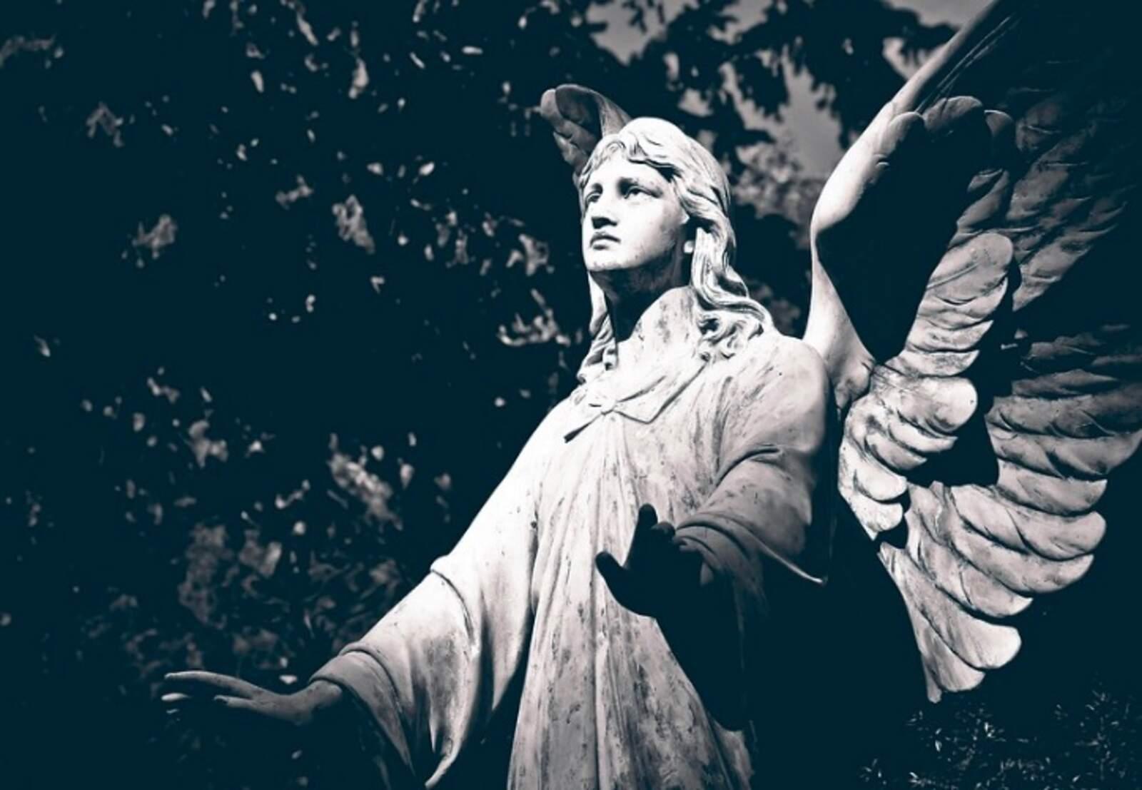Escultura d'un cementiri