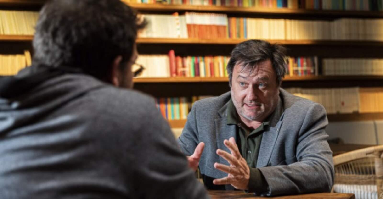 Salvador Cot, editor del Grup El Món, entrevistat per Albano-Dante Fachín