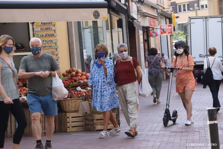 Primer dia d'ús obligatori de mascareta a Terrassa    Cristóbal Castro