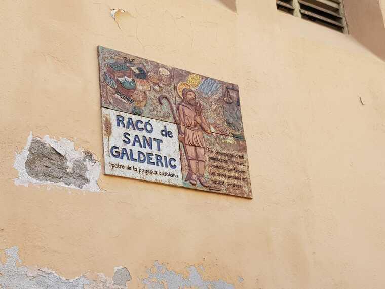 La placa on s'indica el nom del Racó de Sant Galderic  | Lluïsa Tarrida