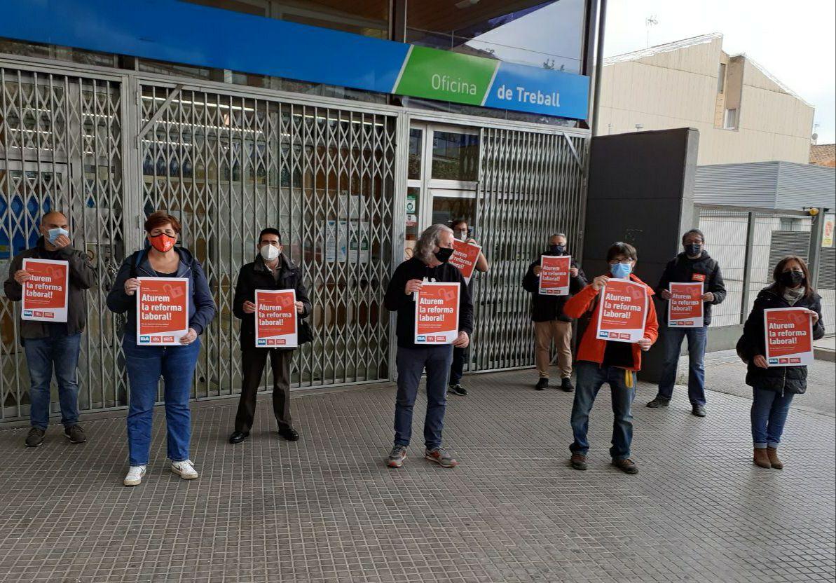 Acció de la Intersindical a Terrassa contra la reforma laboral | Intersindical-CSC