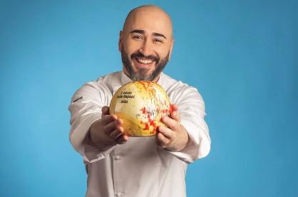 Artur Martínez, amb els Dos Sols de la Guia Repsol 2021