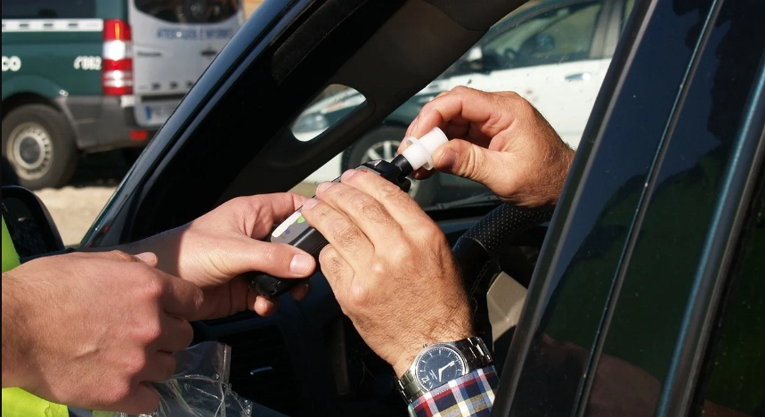 Prova d'alcoholèmia a un conductor | Cedida