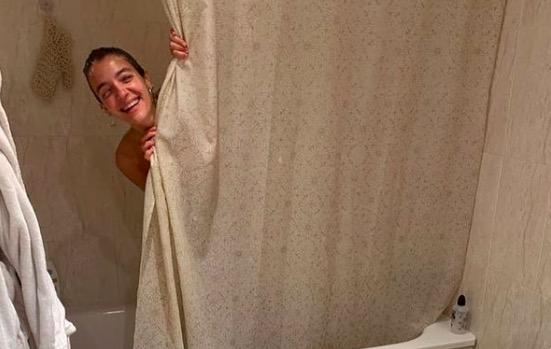 Marta Bustos, a la dutxa | M.B.