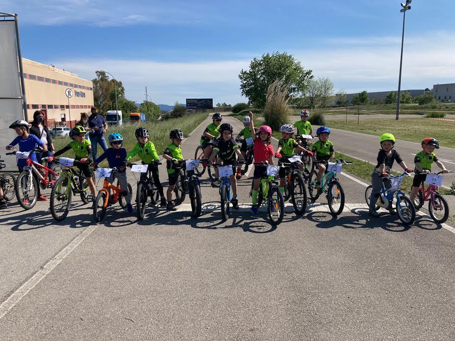 Grup de participants a la primera jornada de la lliga escolar de ciclisme | Escola Ciclisme del Vallès