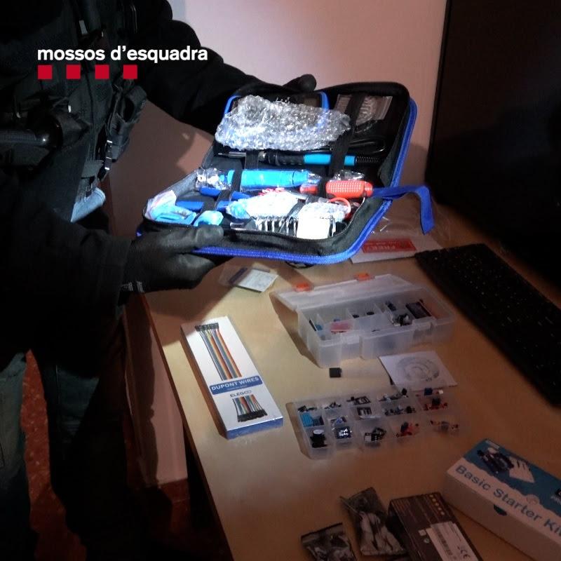 Material elèctric trobat pels Mossos/ACN