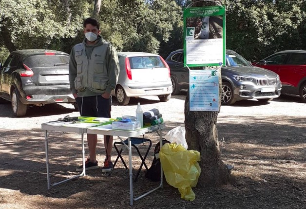 Un dels informadors ubicats al Parc Natural de Sant Llorenç per la jornada Let's Clean UP | Diba