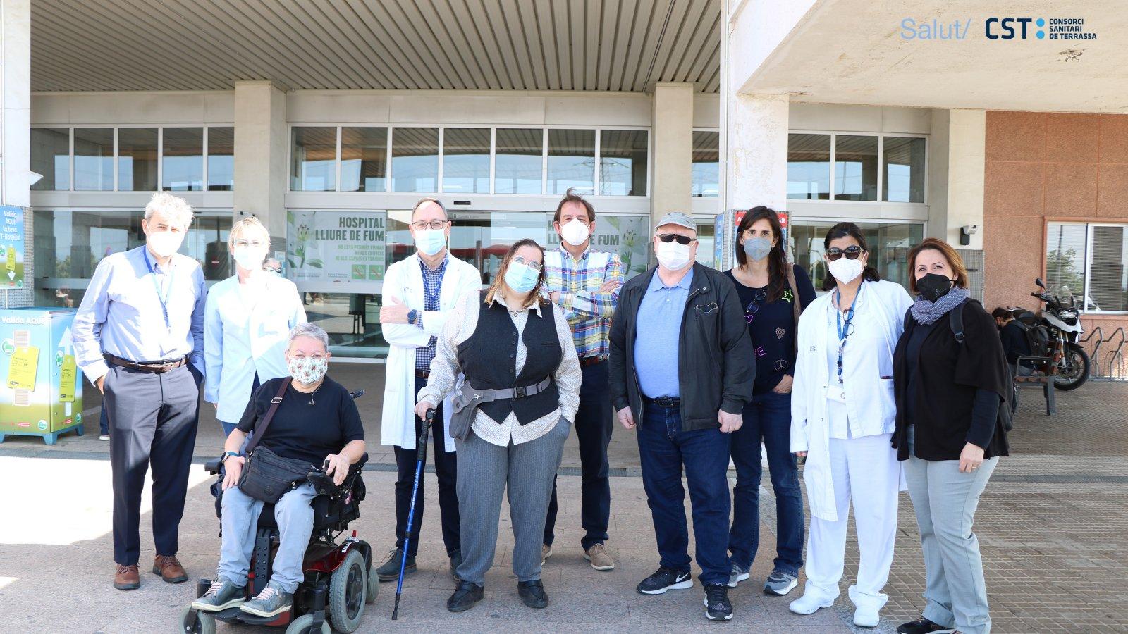 Prou Barreres i la regidora d'Accessibilitat de visita a l'Hospital de Terrassa | CST