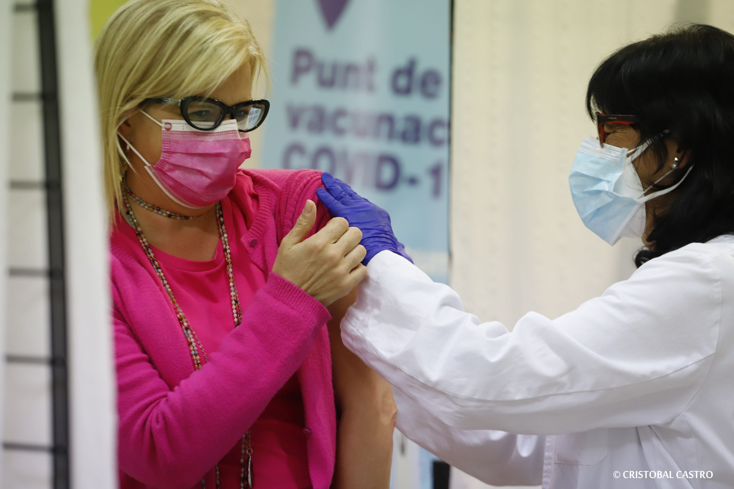 Vacunació massiva contra la Covid al Centre Cívic Montserrat Roig de Terrassa/Cristóbal Castro