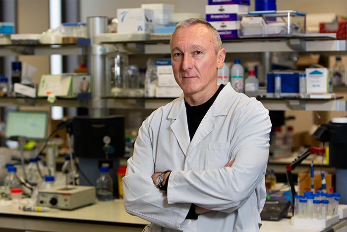 Tzanko Tzanov, codirector del grup de Biologia Molecular e Industrial (GBMI)   UPC