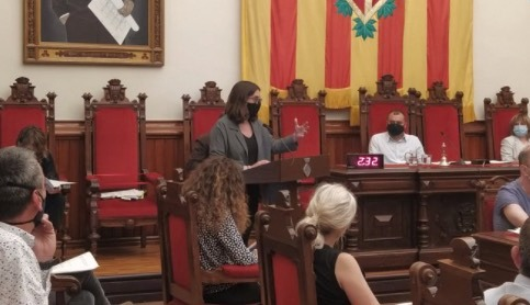La regidora Ona Martínez en el ple municipal de maig   ERC