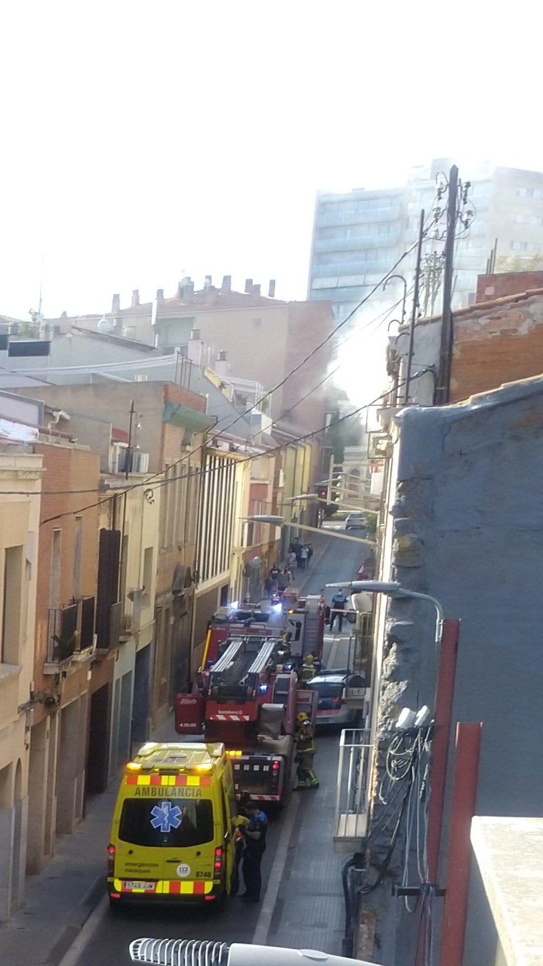 Incendi al carrer del Mas Adei/Ferran V.M.