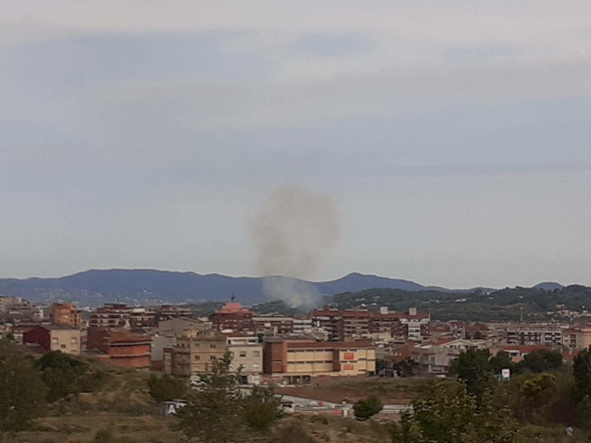 Incendi de vegetació al costat de la C-16/Marta Maseras
