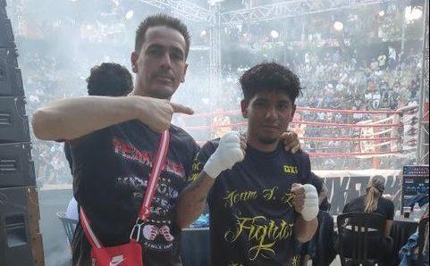 Dostin, de l'escola Team S. Leon, es va imposar a un dels millors lluitadors del circuit