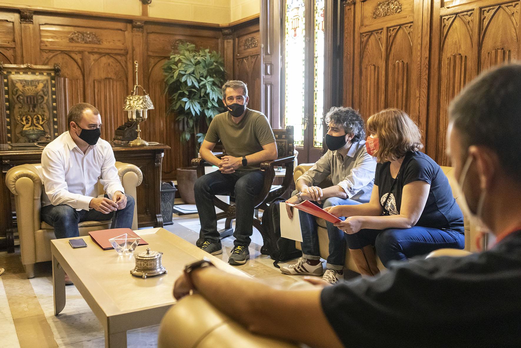 Reunió alcalde i seccions sindicals de Correus de CCOO i UGT | Rafel Casanova BCF