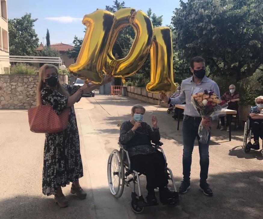 Mercè Flix celebrant els 101 anys a Matadepera | Matadepera.cat