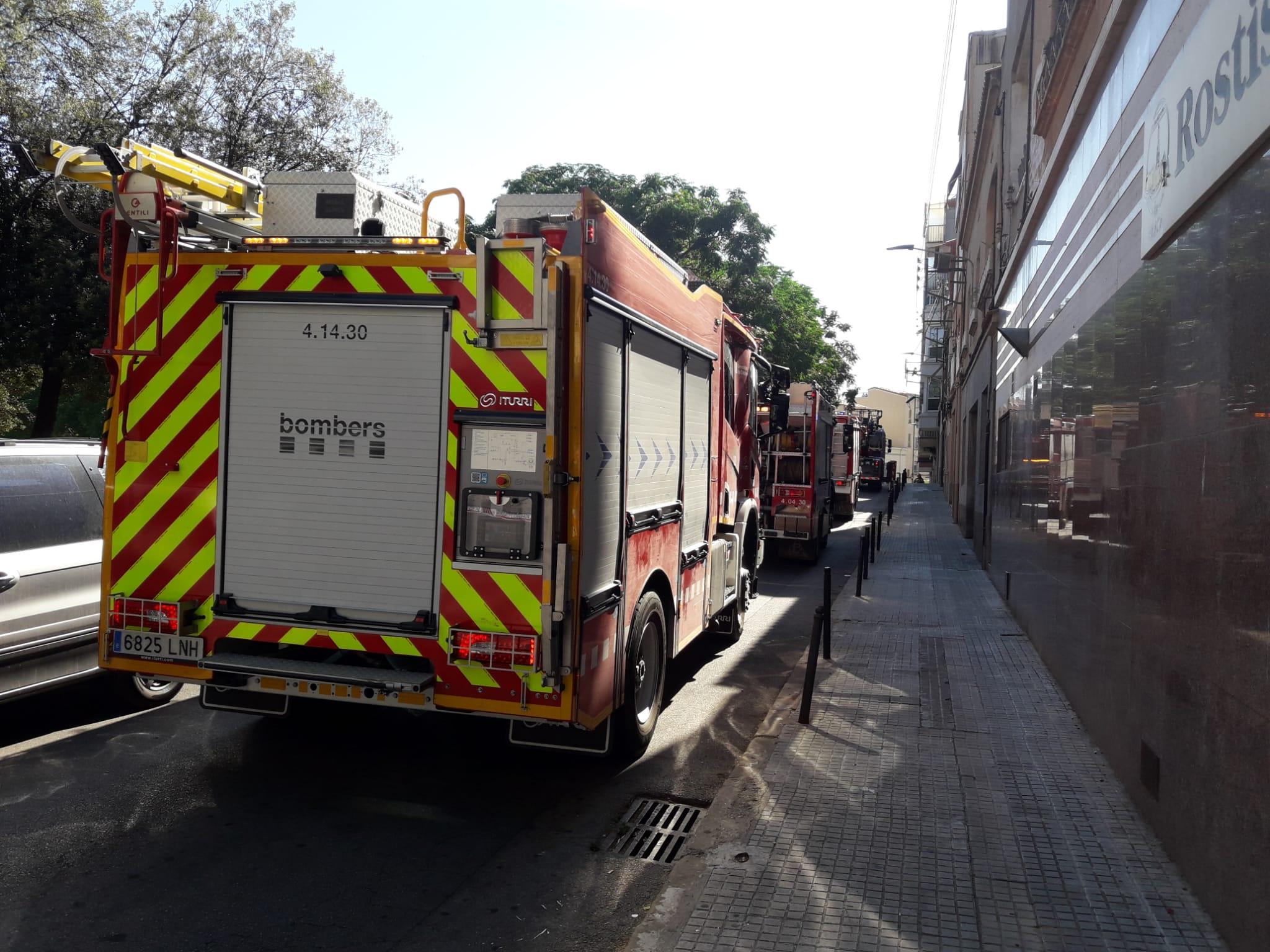 Incendi al carrer d'Antoninus Pius de Terrassa/Joan Manel Oller