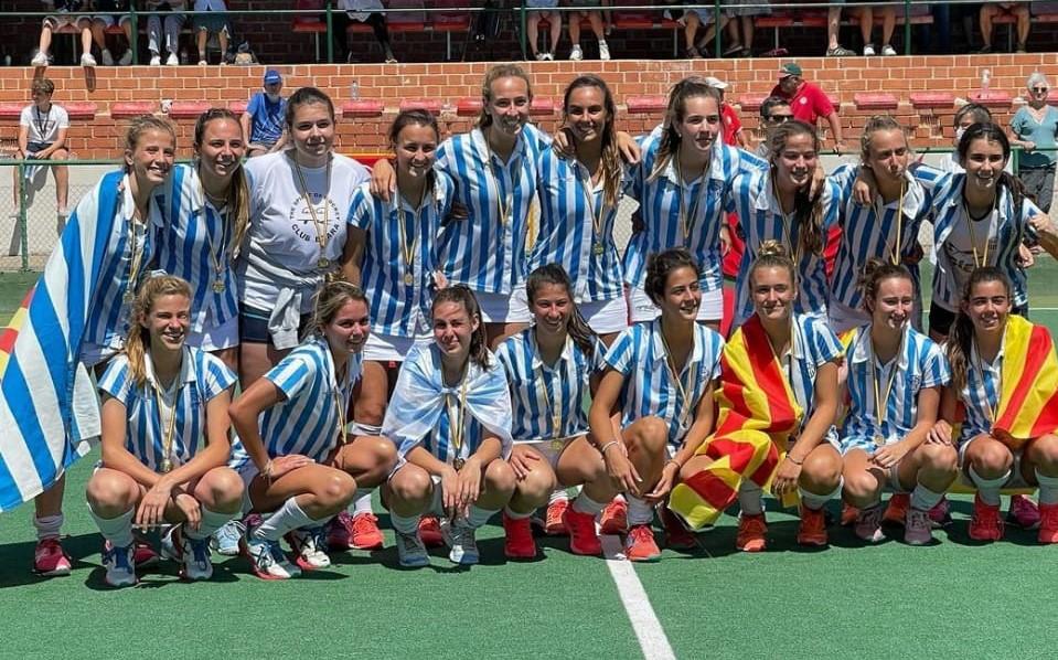 Les jugadores del Club Egara celebrant la victòria i campionat | RFEH