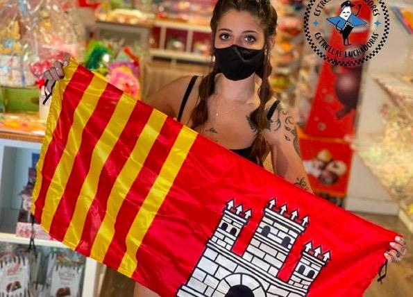 La bandera de Terrassa, solidària amb els nens amb càncer | Policias para los valientes