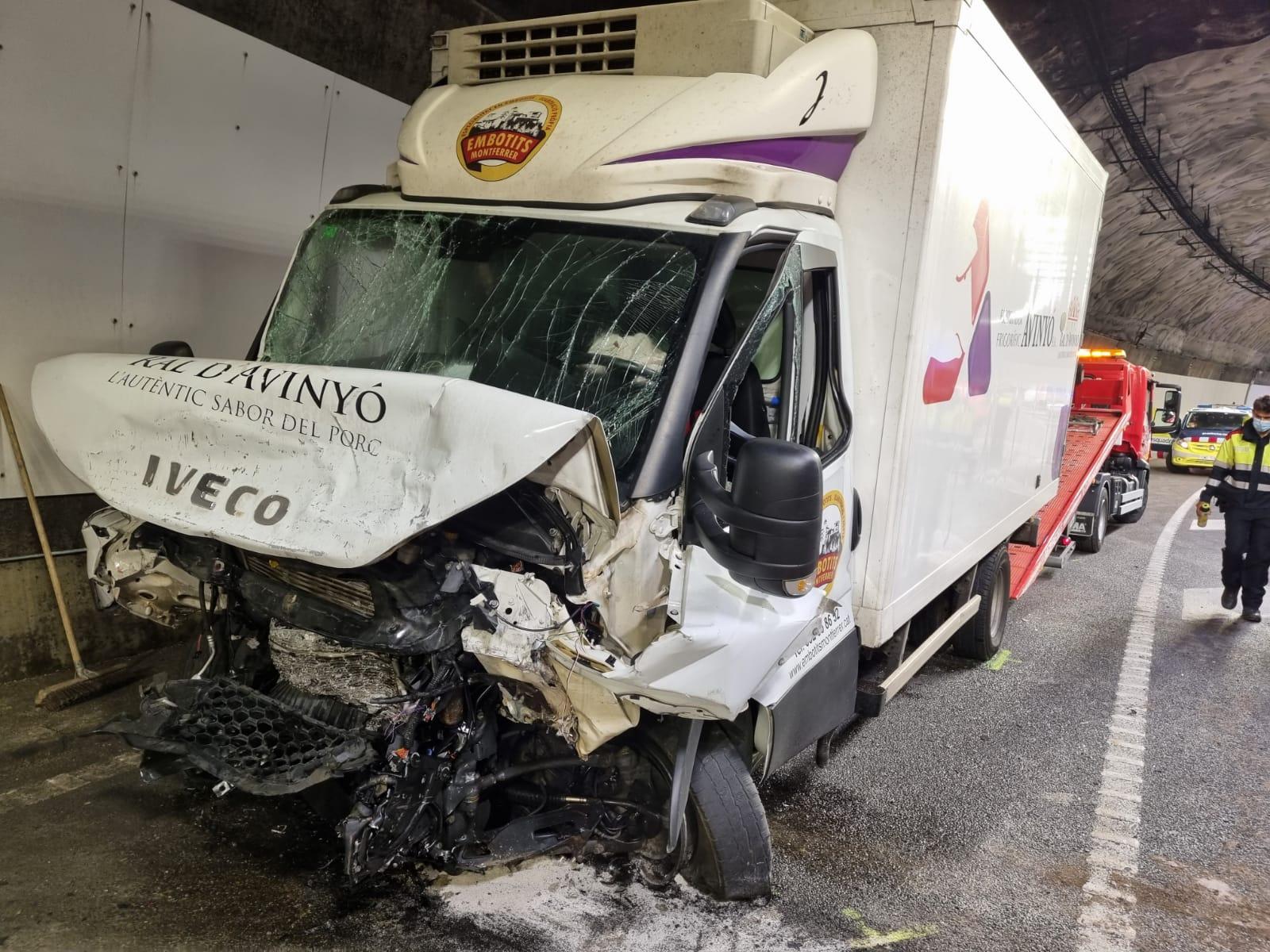 Imatge de l'accident de trànsit al túnel del Cadí on ha perdut la vida una terrassenca   Anti-Radar Catalunya