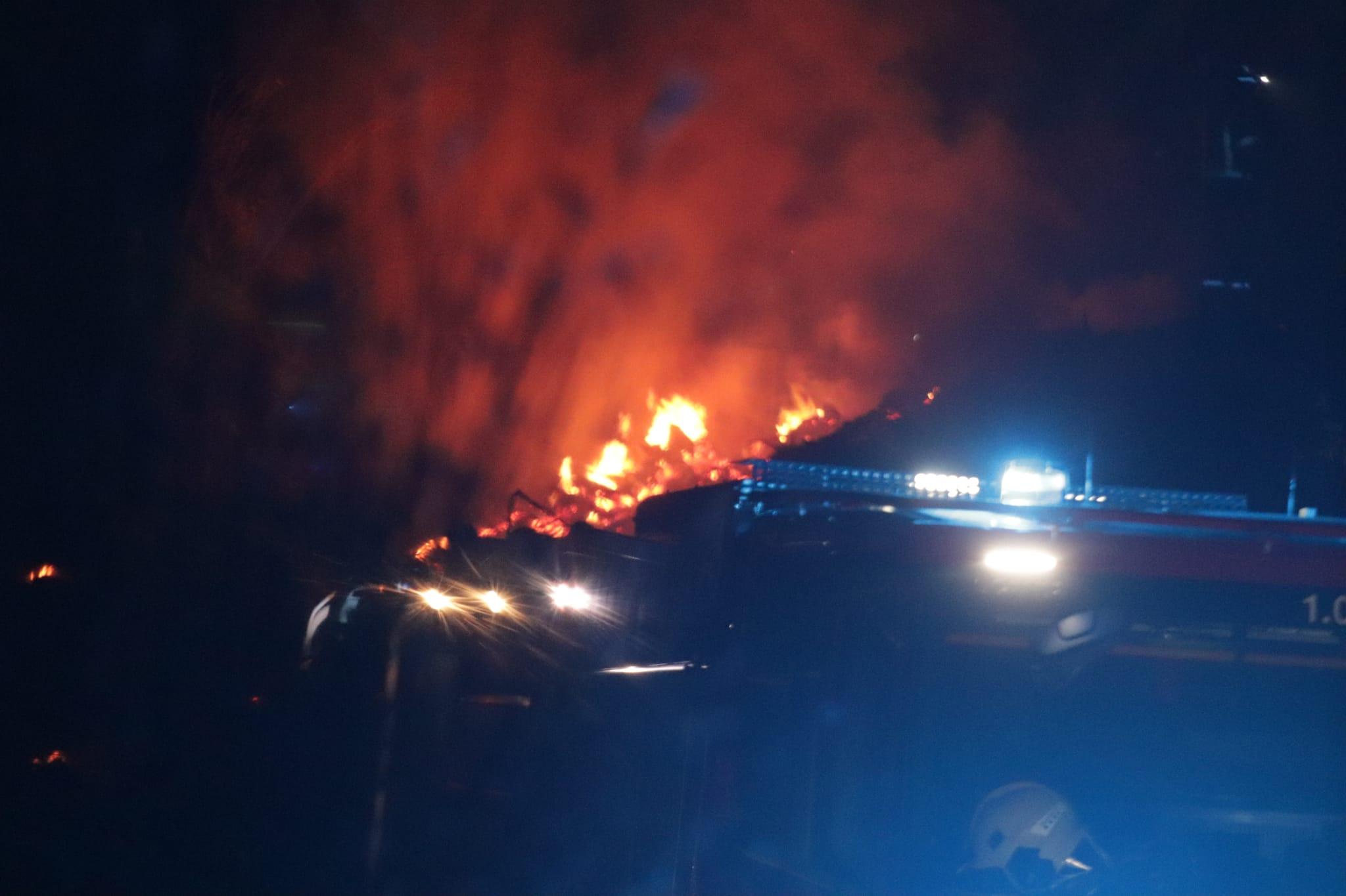 Incendi a Les Martines vist per la càmera de Xavi Hurtado/X.Hurtado