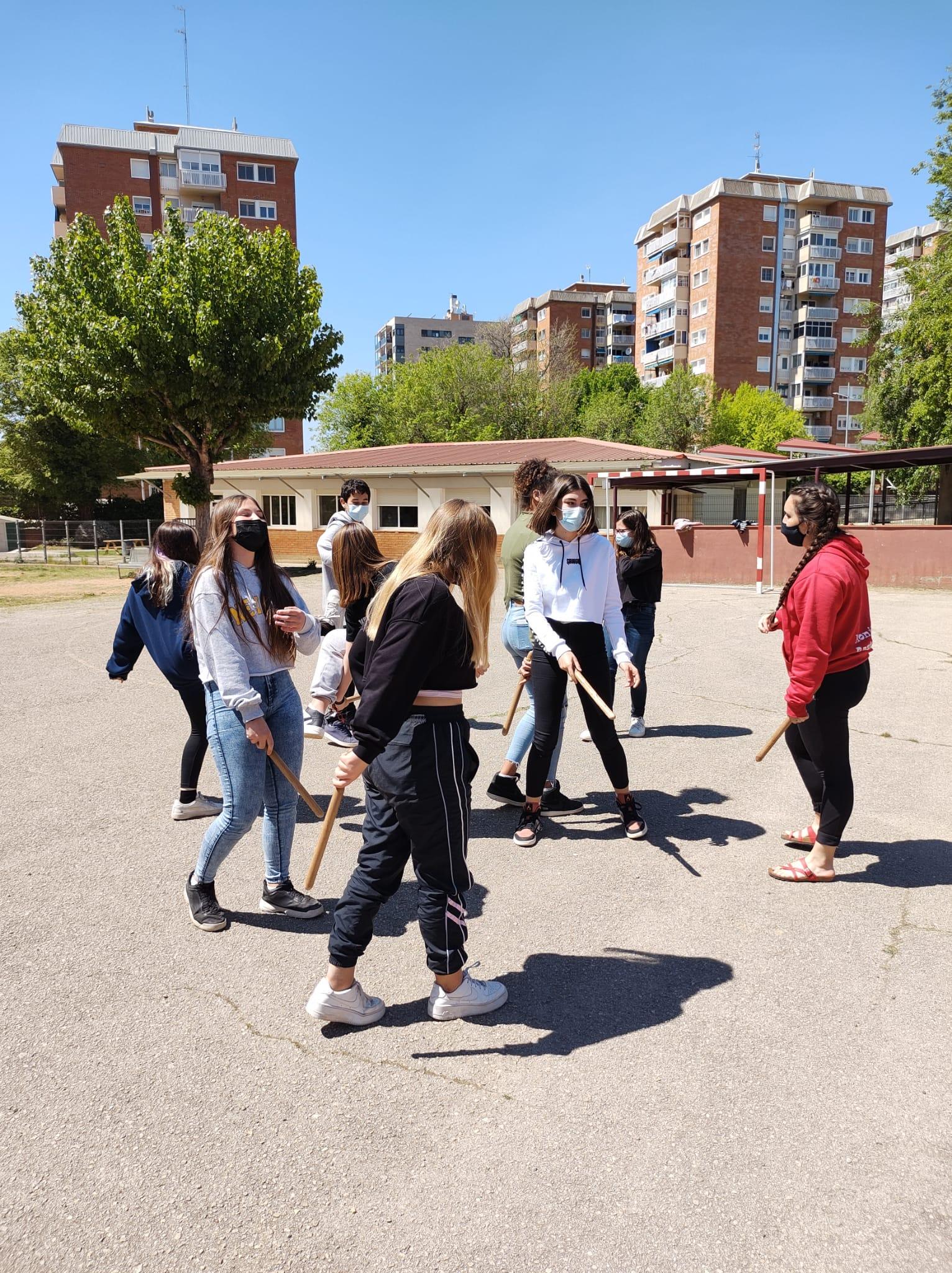 Taller a l'Institut Escola Pere Viver/Bastoners de Terrassa