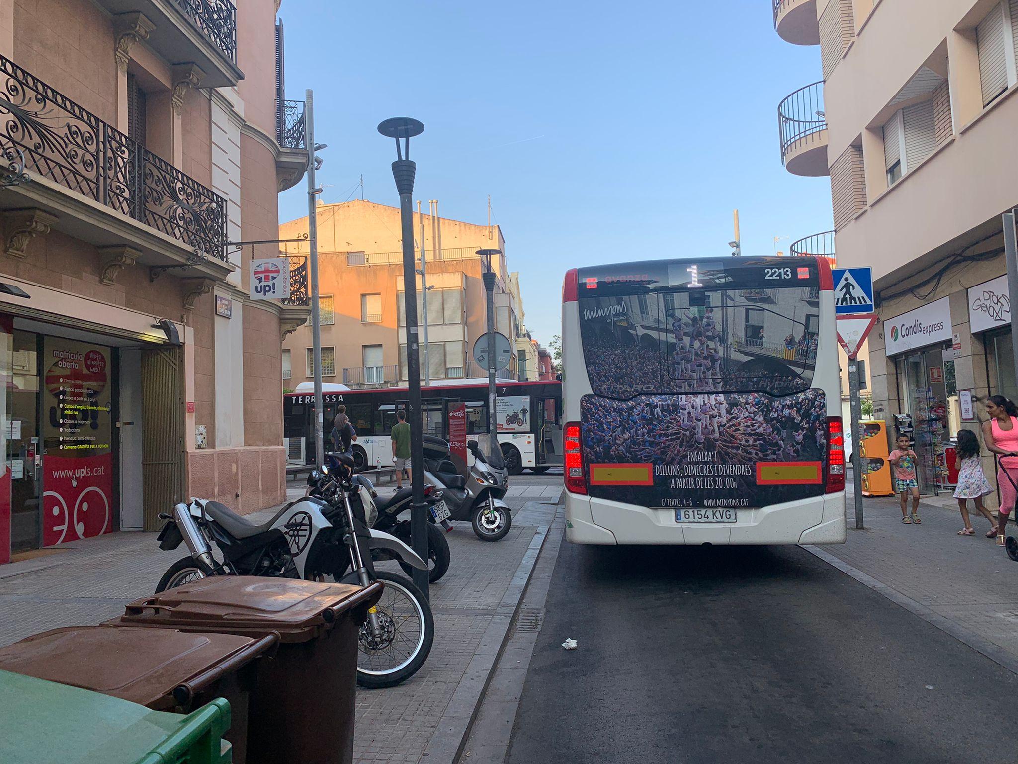 Incendi al carrer de Garcia Humet de Terrassa/Marta Sala