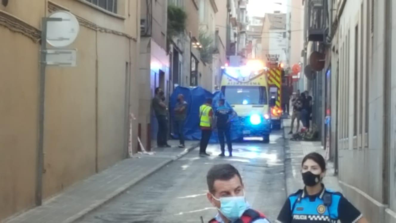 Incendi amb una nena ferida greu al carrer de Garcia Humet de Terrassa/Cristóbal Castro
