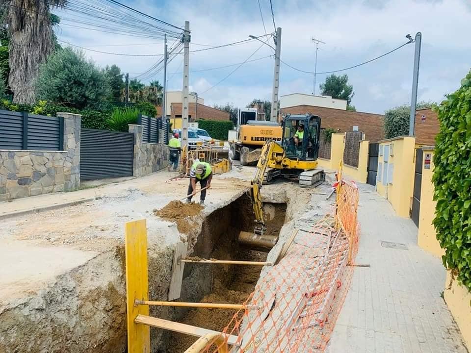 Veïns i regidors han visitat les obres de canalització al barri | Aj. Terrassa