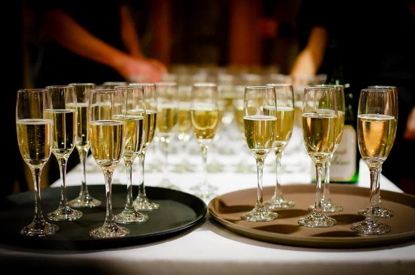 Celeració amb copes de cava | Pixabay