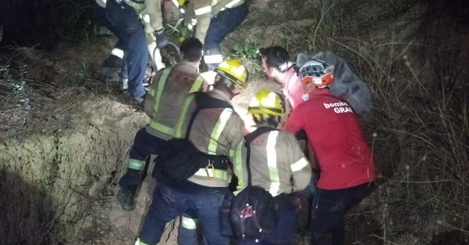 Rescat den Pedro, que ha caigut per un barranc a la zona de Can Cabassa | Bombers