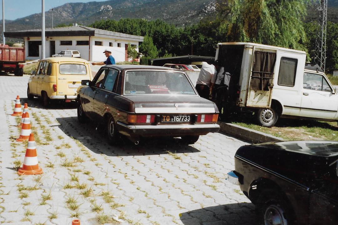 Cua de vehicles al peatge de la Jonquera/ACN