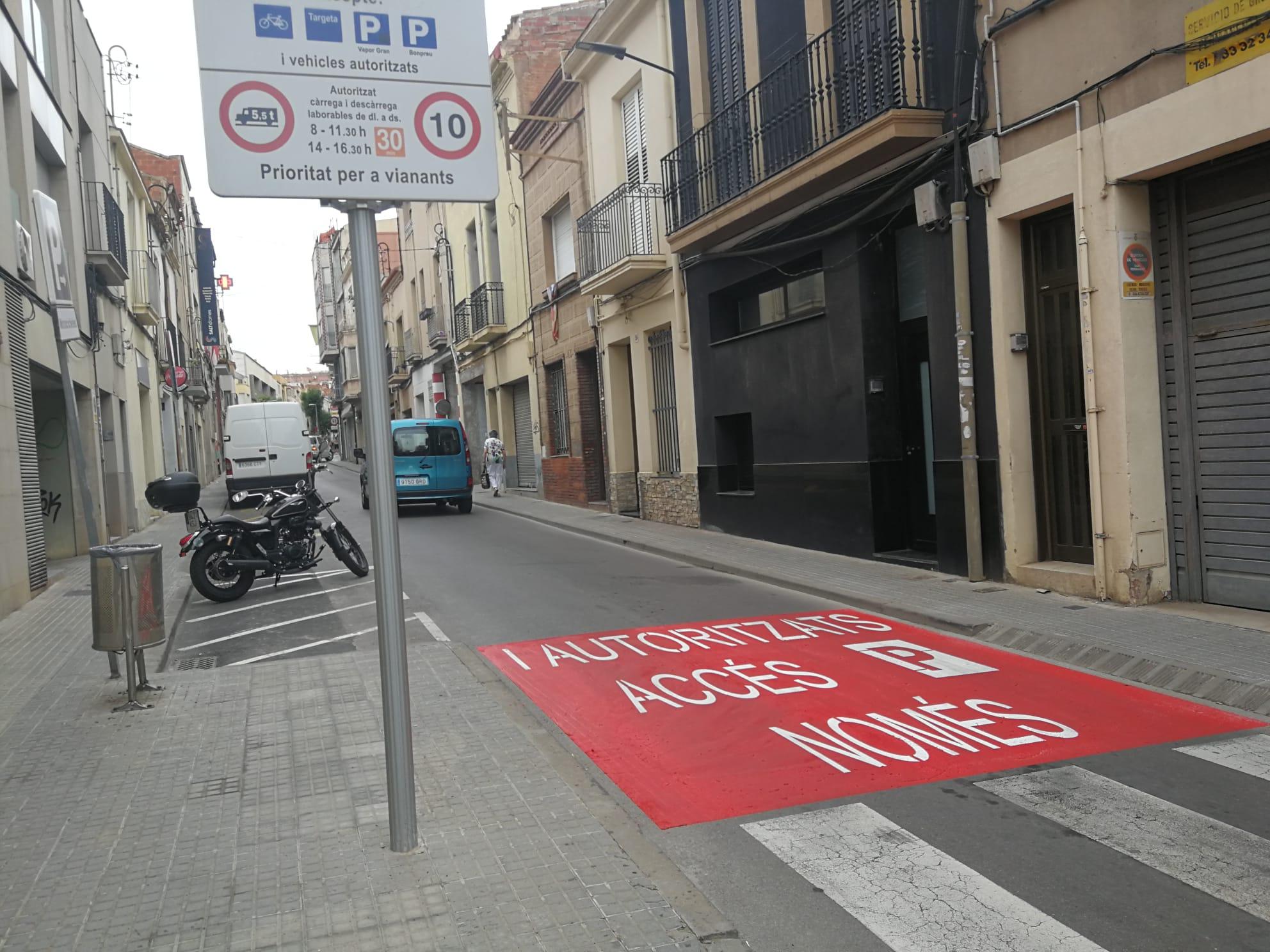 El carrer Sant Francesc, un dels accessos a la nova illa de vianants de Terrassa | Lluïsa Tarrida