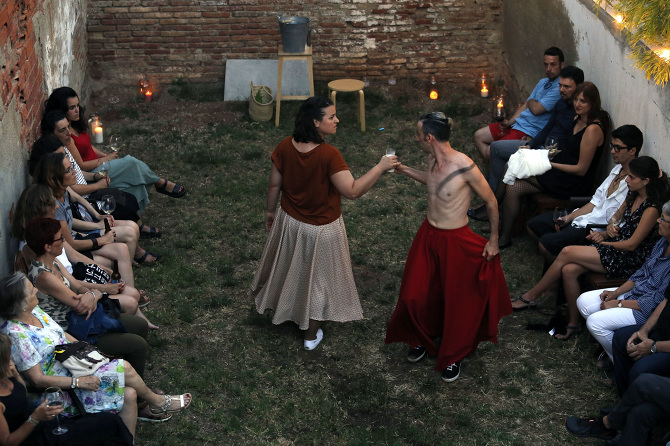 Un dels espectacles de dansa que s'han pogut veure dins de Terrassa Secreta |  L'Embarral