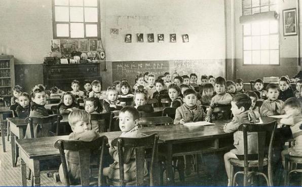 Aula d'una escola de Terrassa, als anys 50 | AMAT