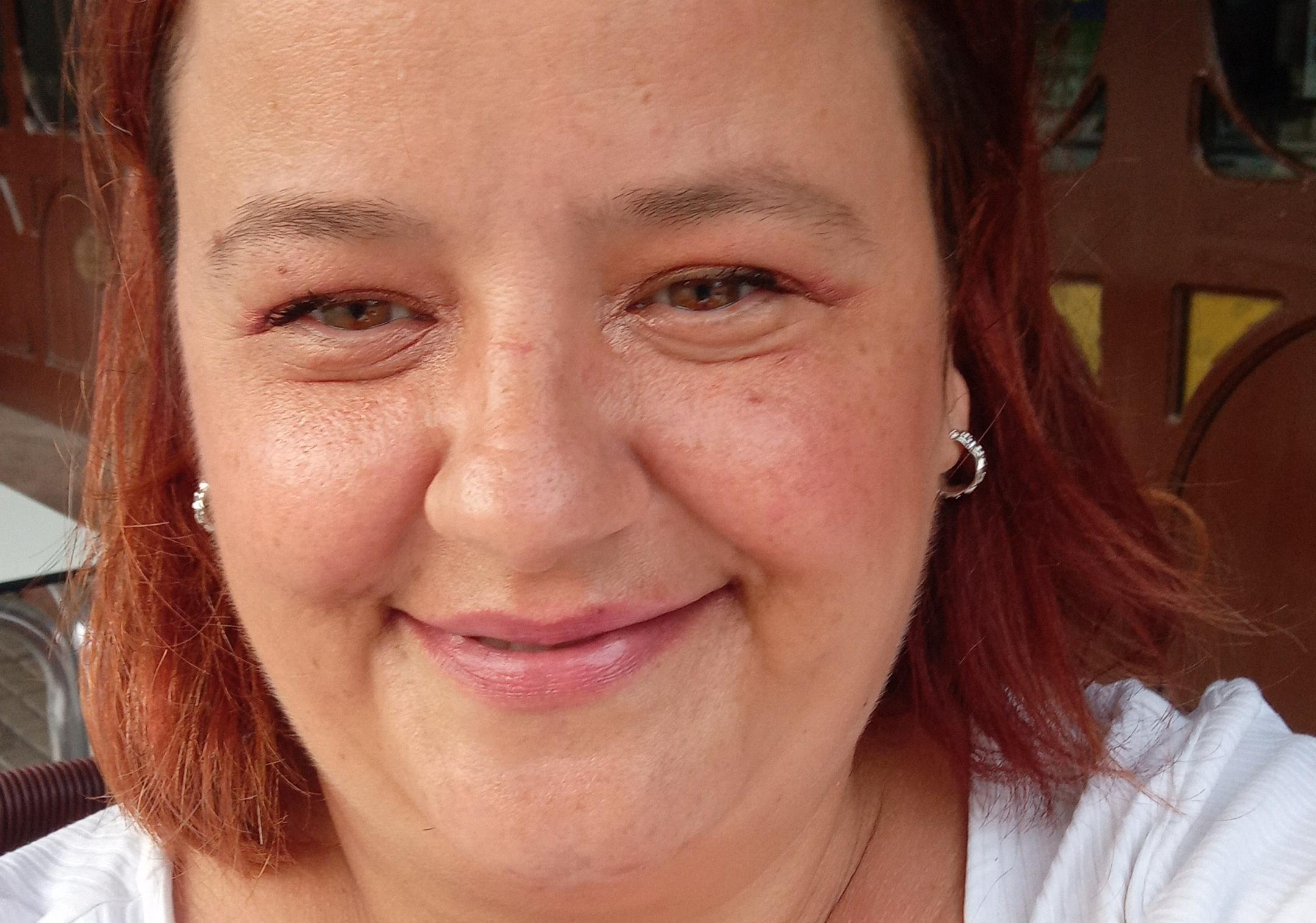 Lucía Niol ha publicat el seu tercer poemaria, En mi bosque de robles | Cedida