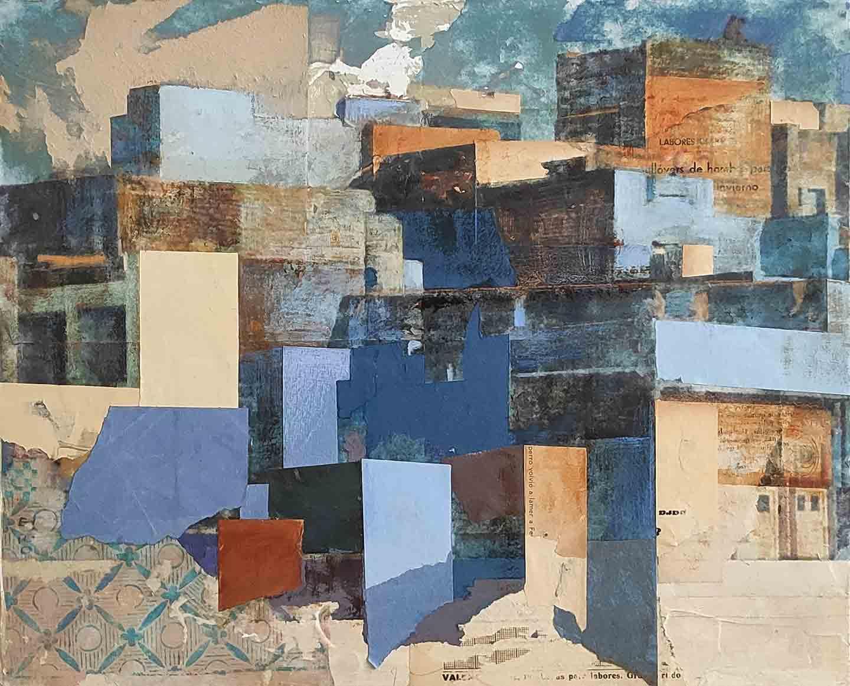 Carme Aliaga amb una de les obres d'Habitant la incertesa | Cedida