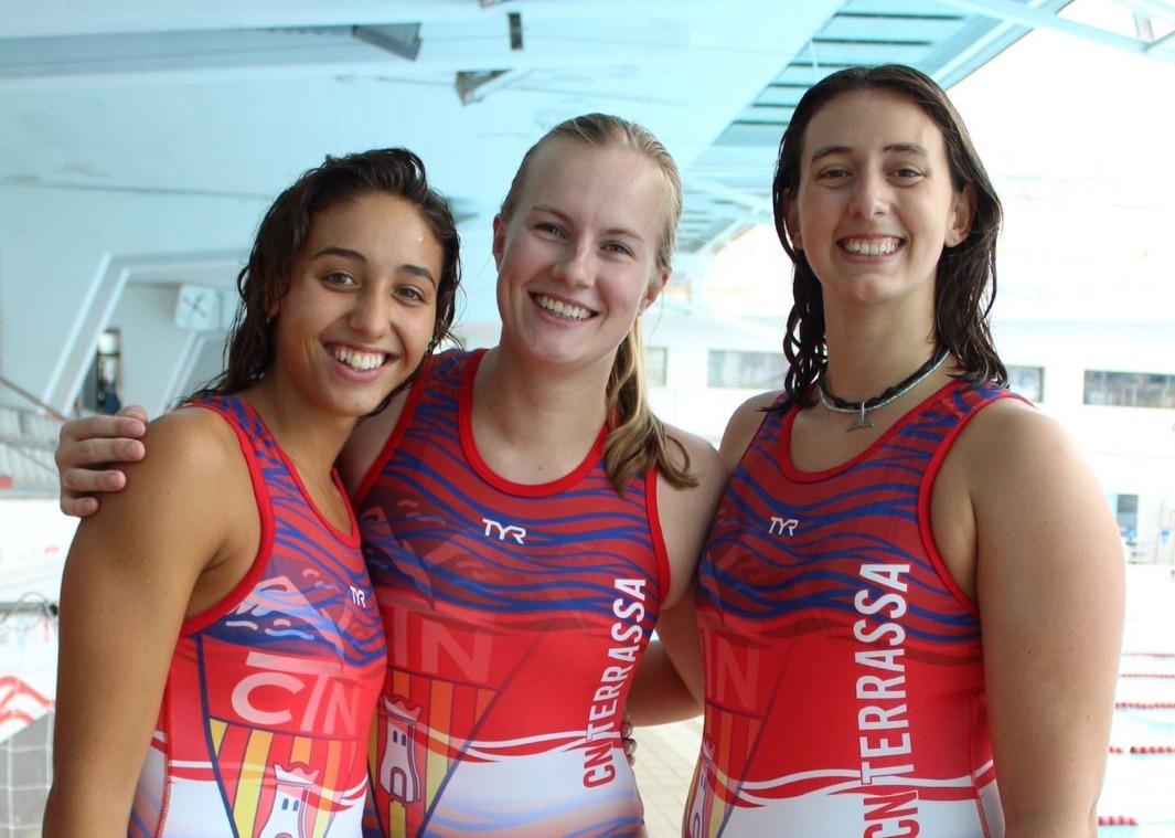 Les tres waterpolistes del CNT que disputen el Campionat de Món Júnior Femení: Martina Cardona, Nina Ten Broek i Paula Camus | CNT