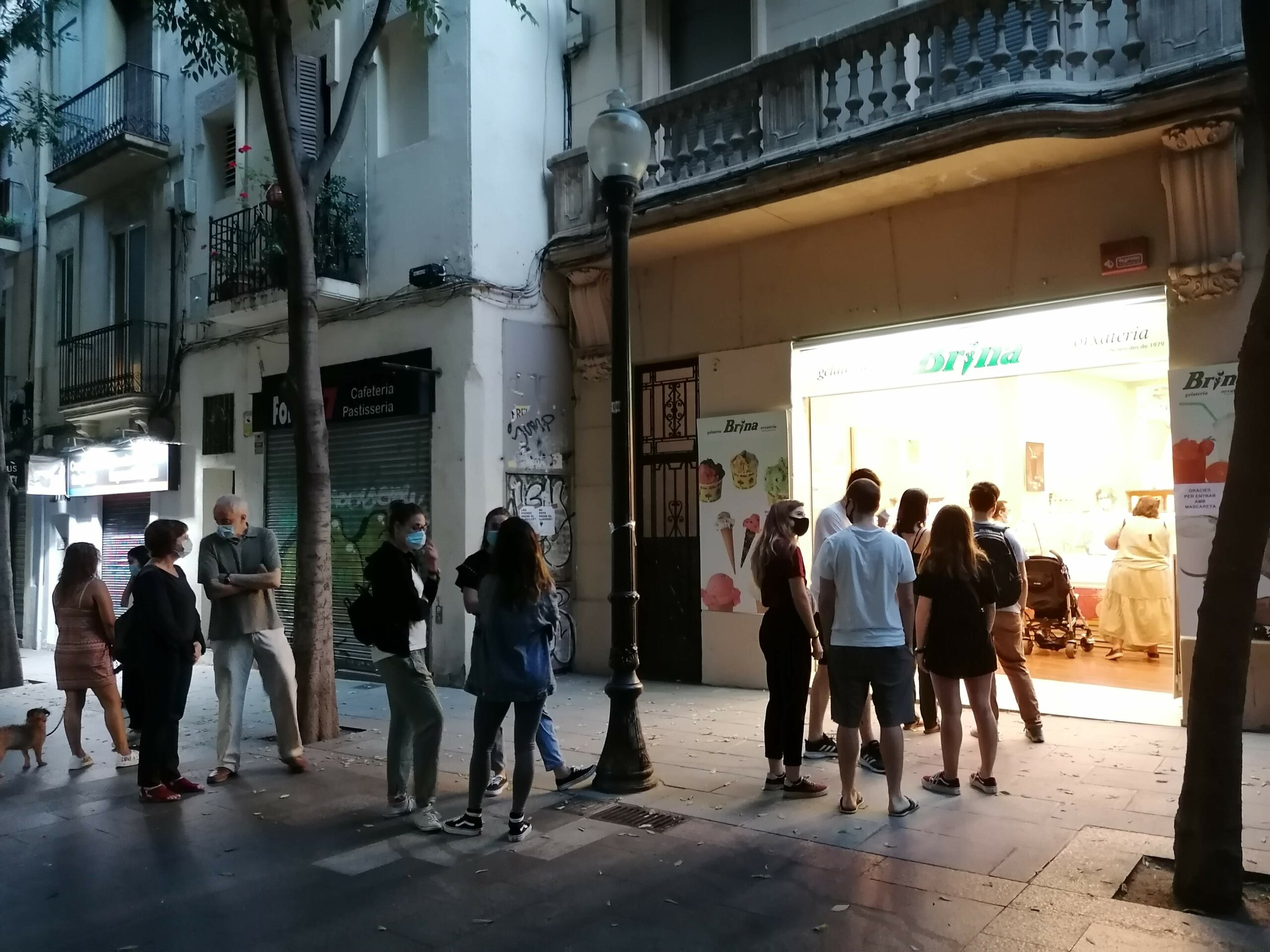 Cua a la gelateria Brina de Barcelona / MMP