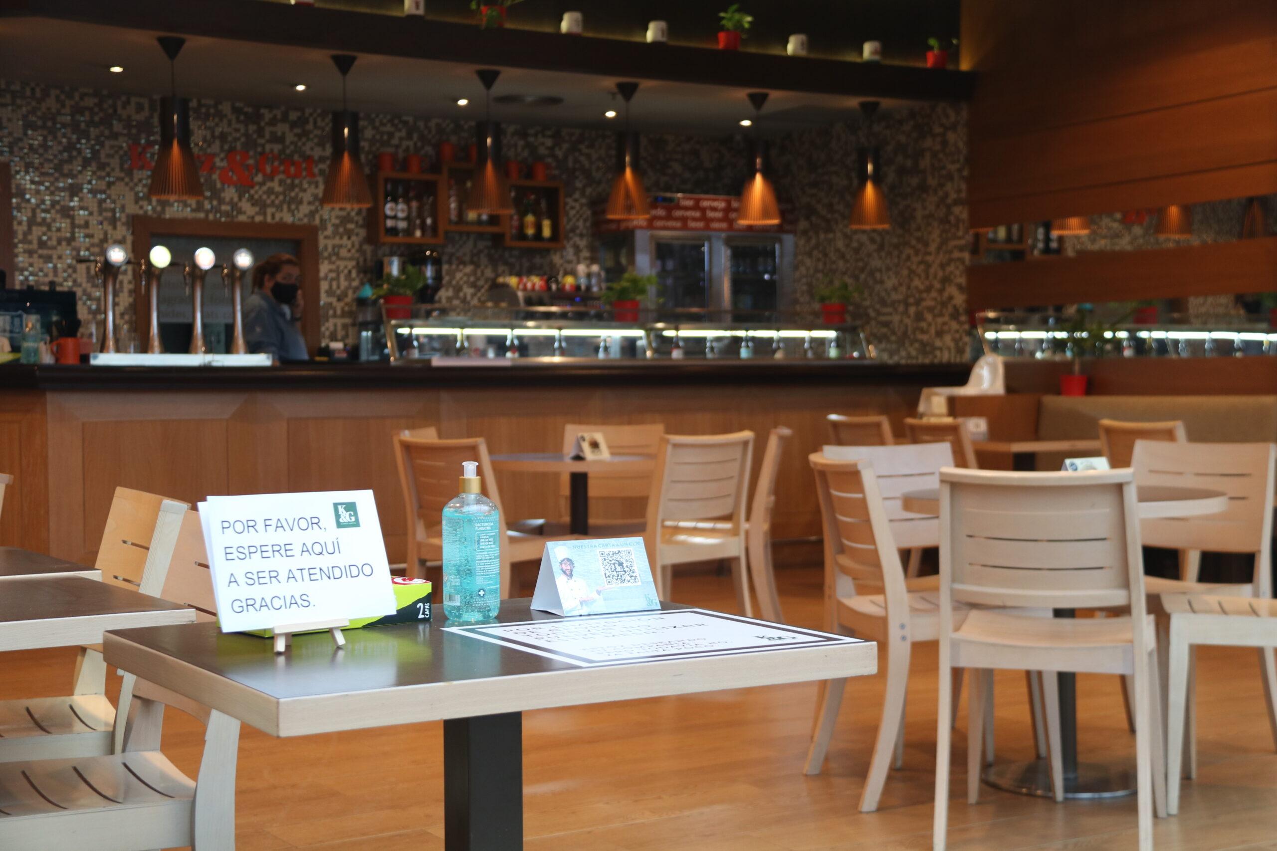 L'interior del local de la cadena Kurz&Gut al centre comercial de Diagonal Mar | ACN