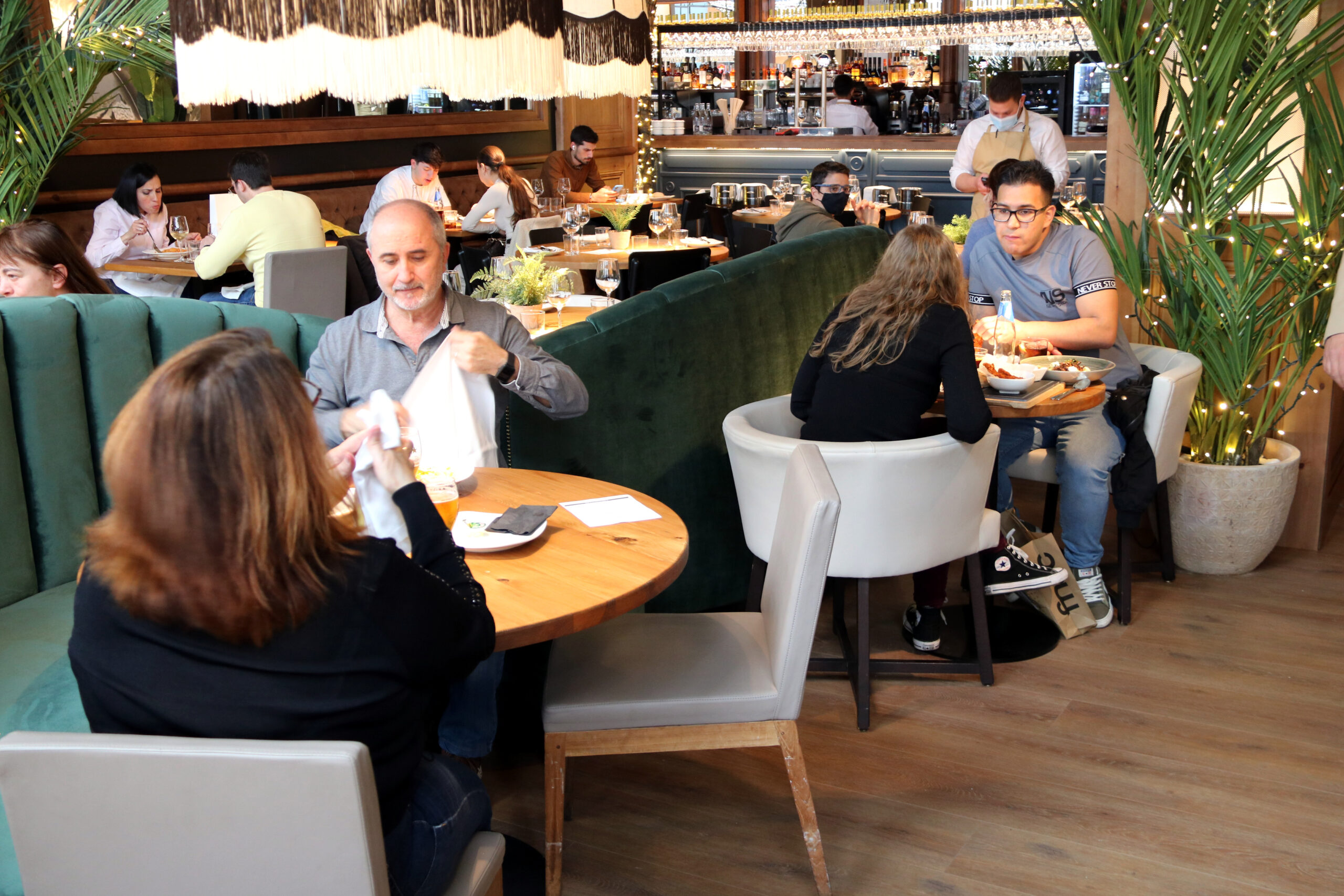 Un restaurant al Centre Comercial La Maquinista | ACN