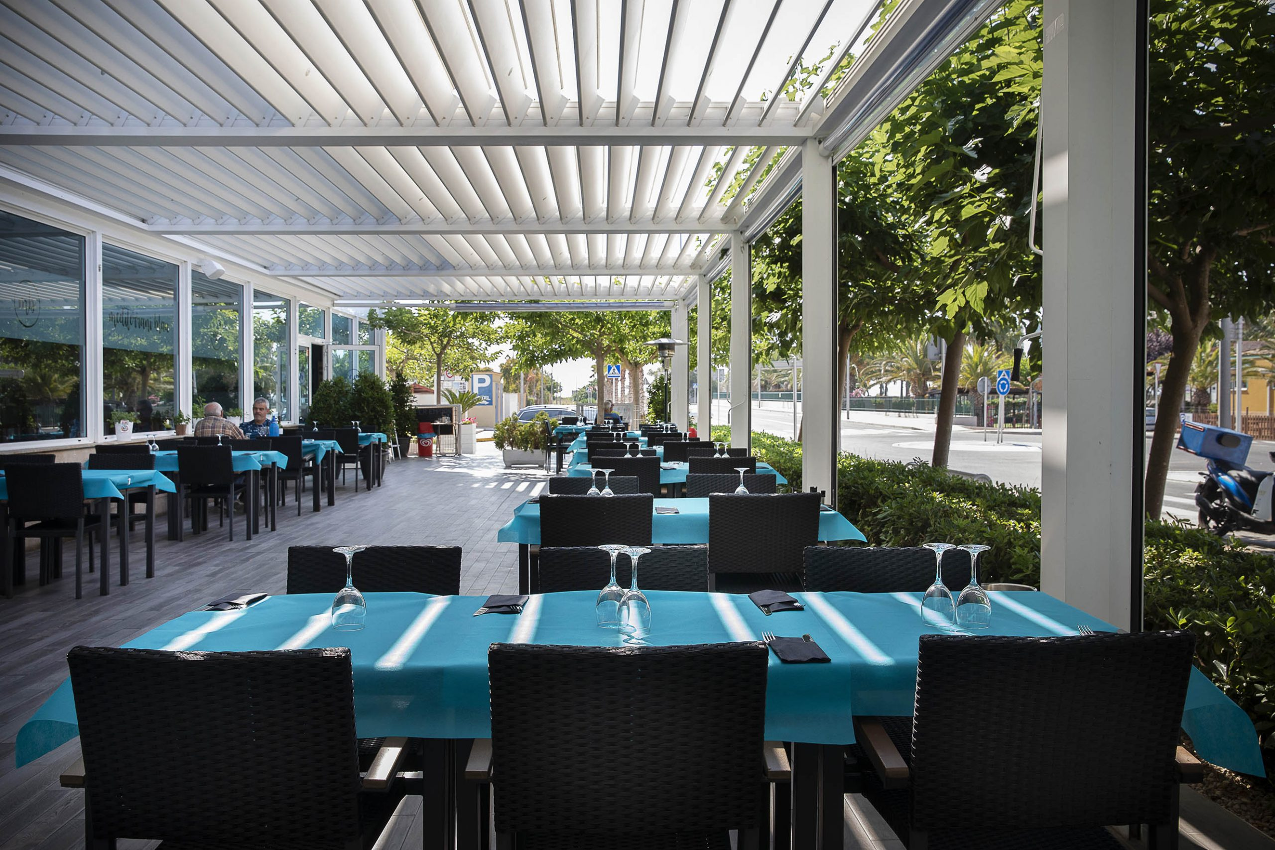 La terrassa del restaurant Mediterrani Blau | Jordi Play
