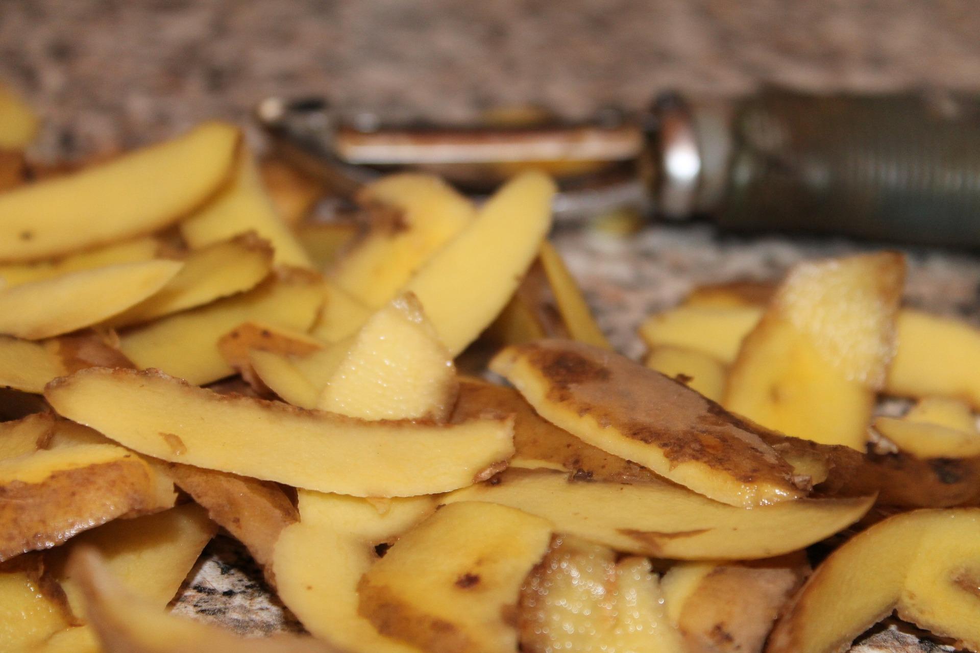 Pells de patata preparades per fregir | Pixabay