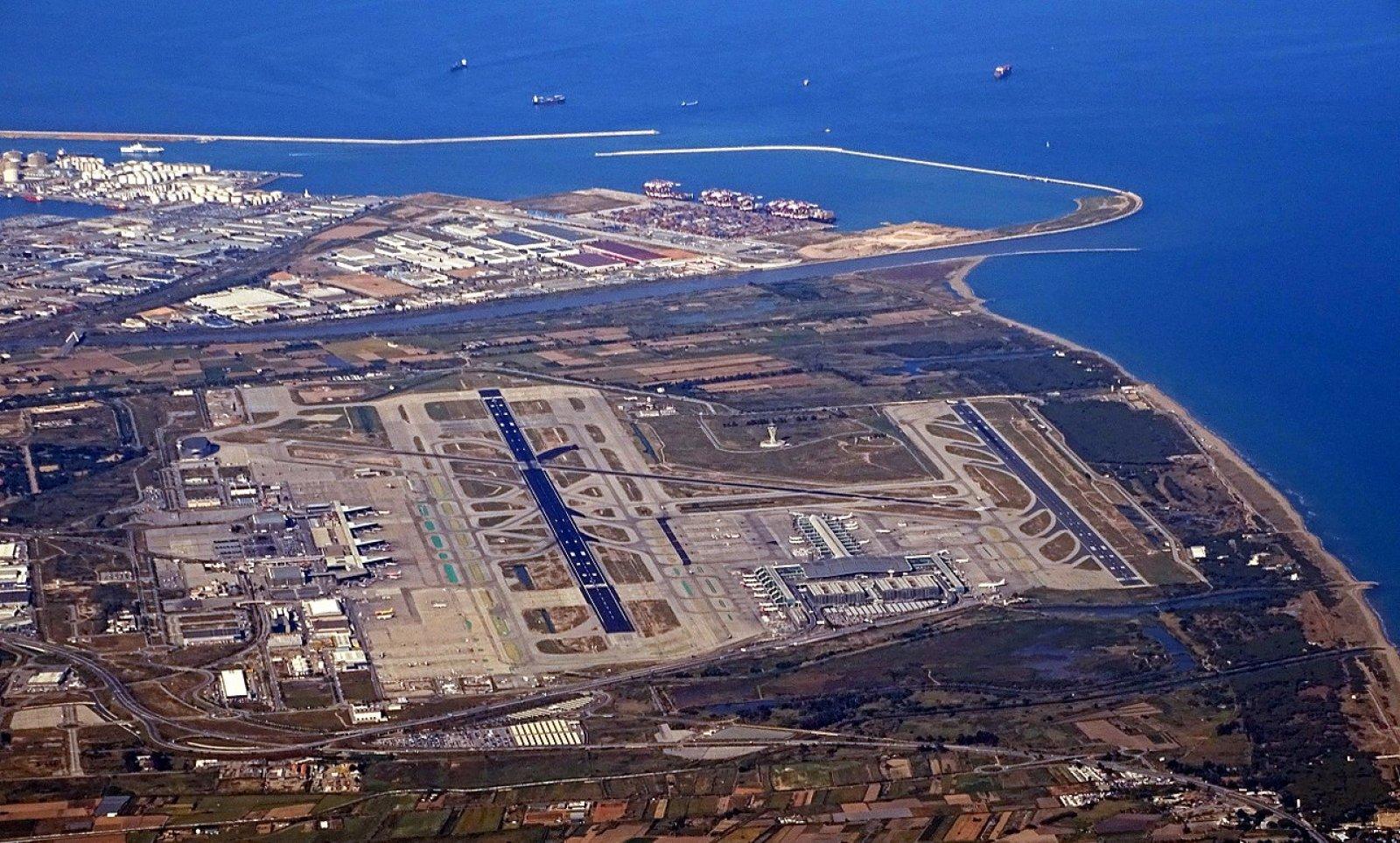 L'Aeroport del Prat vist des de l'aire